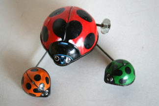Yone Japan original 60´s windup tin Lady Bug