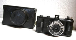 DICK TRACY SEYMORE PRODUCTS CO. 40'S CAMERA WITH CARDBOARD CASE