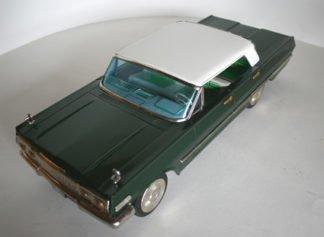 Nomura Japan Chevrolet Impala 1963 friction original tin toy car