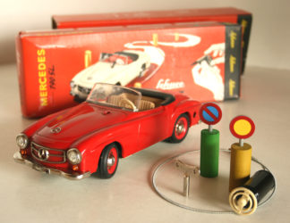 Schuco Western Germany Mercedes Benz 190 SL Clockwork remote control car Windup in box 8.75 inches (22 cm) complete original tin toy car Item 1SchucoTWCbx
