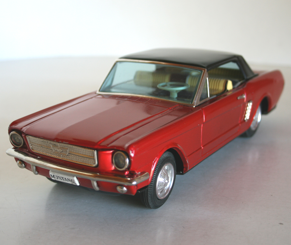 Bandai 60's Ford Mustang Battery Operated 11 Inches (28 Cm