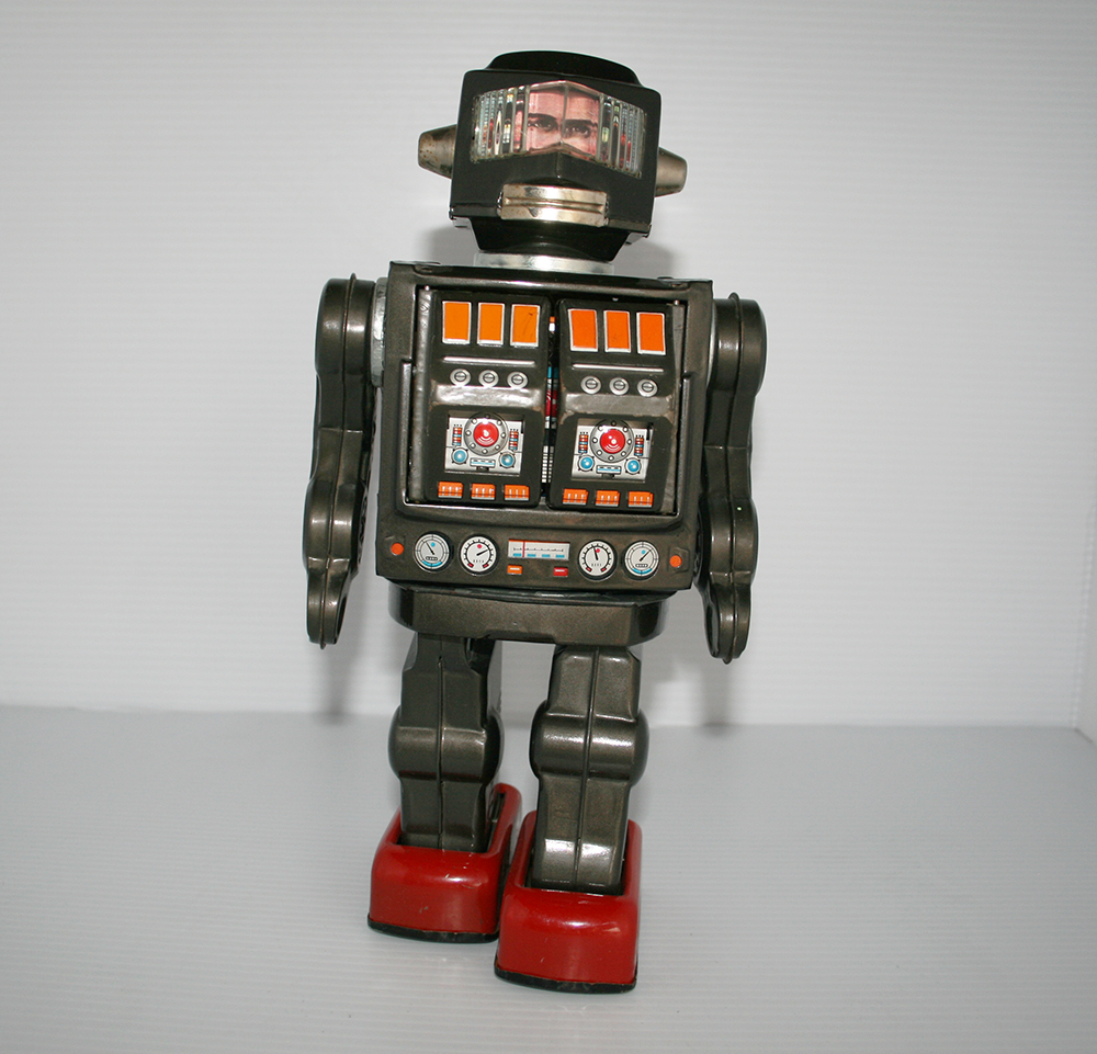 Japanese Tin Toy Robots : Horikawa japan s astronaut robot battery operated