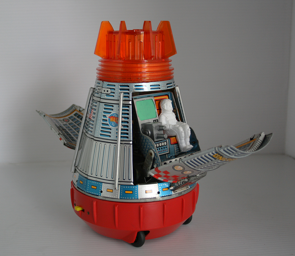 Horikawa S.H 60's Super Space Capsule Battery Operated 9.25 inches (23.5 cm) original tin toy space