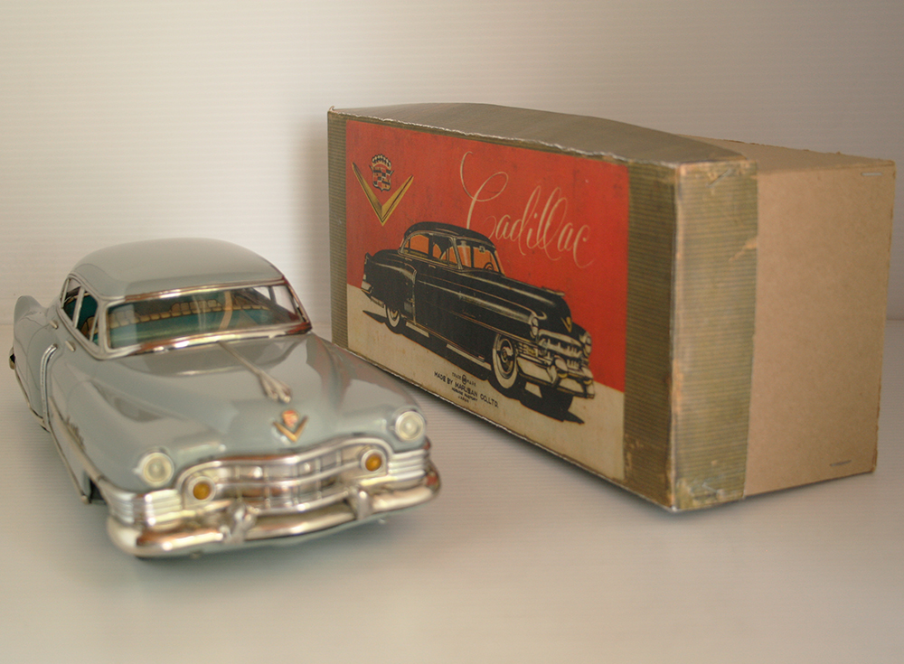 Marusan Kosuge Japan 50's Cadillac 1951 in repro Box Friction 12 inches (30 cm) original tin toy car